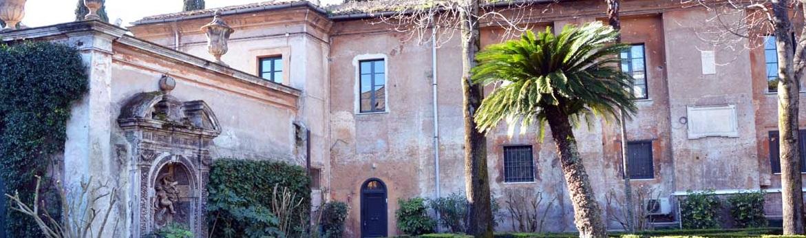 Visita guidata con apertura in esclusiva al Priorato dei Cavalieri di Malta sull'Aventino a Roma