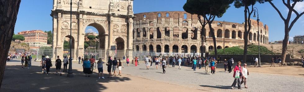 Escursione didattica per scuole e gruppi ai fori imperiali, foro romano e Colosseo a Roma, con guida gratis